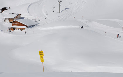lech-skiing-1